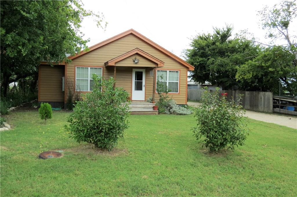 104 W Little Street, Hamilton, TX 76531