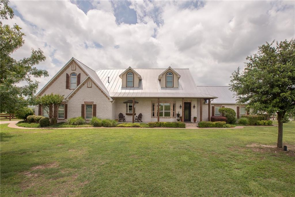 698 Hollyridge Lane, Fort Worth, TX 76108