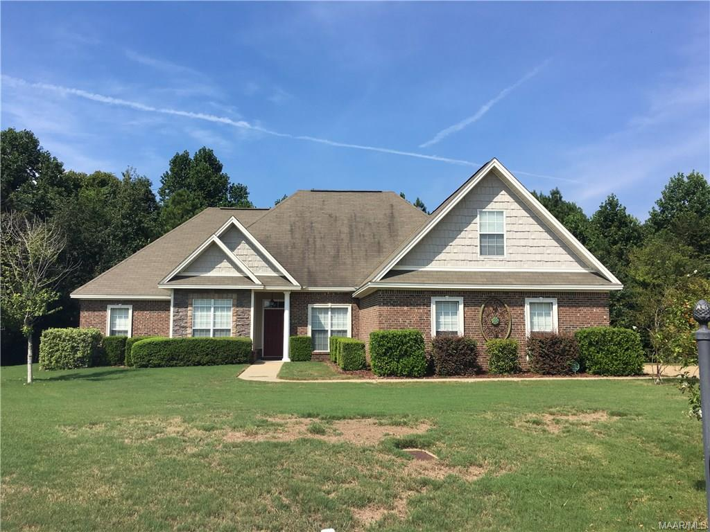 47 Indian Summer Court, Deatsville, AL 36022