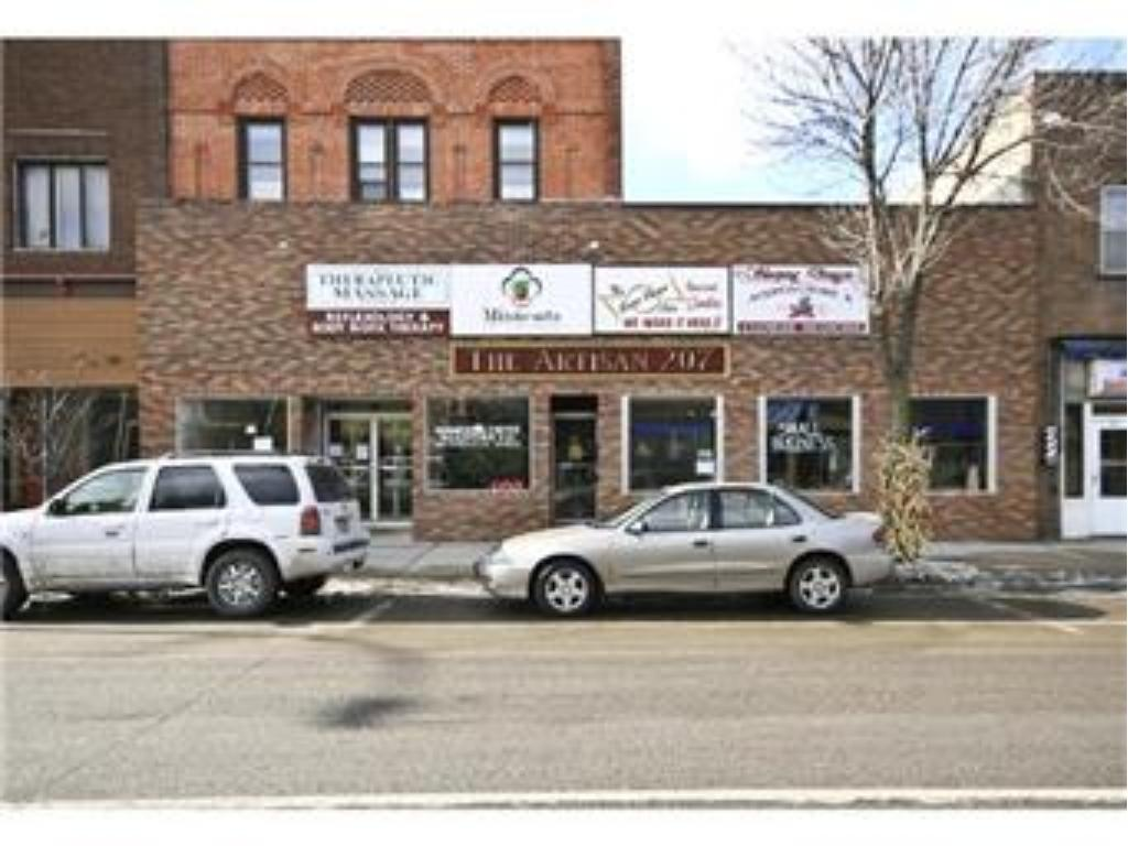 207 N Sibley Avenue, Litchfield, MN 55355
