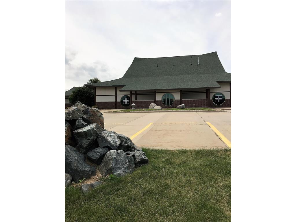 9255 Atlantic Drive SW, Cedar Rapids, IA 52404