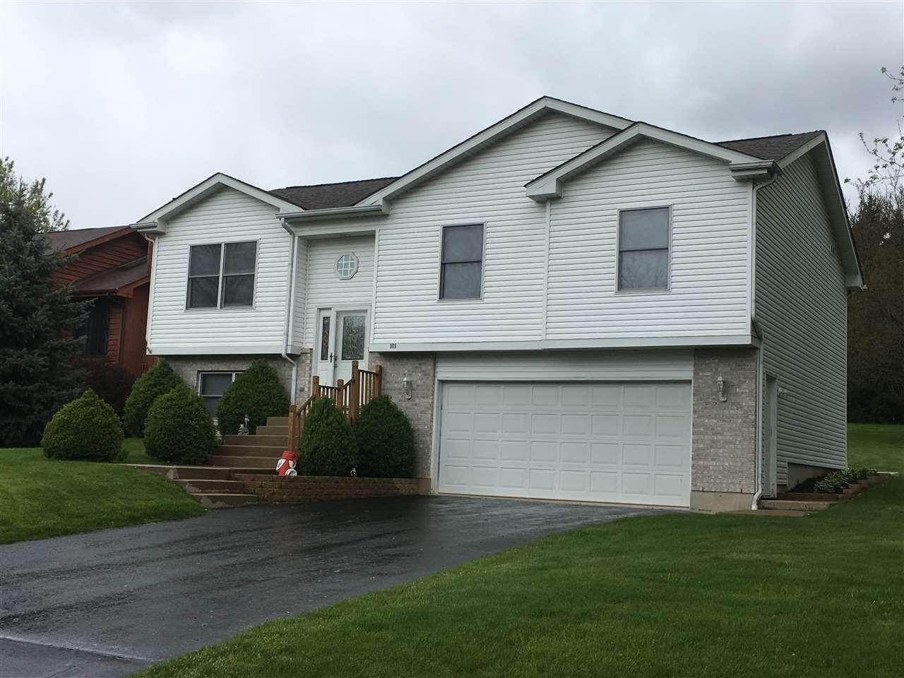 303 CANDLEWICK Drive, POPLAR GROVE, IL 61065