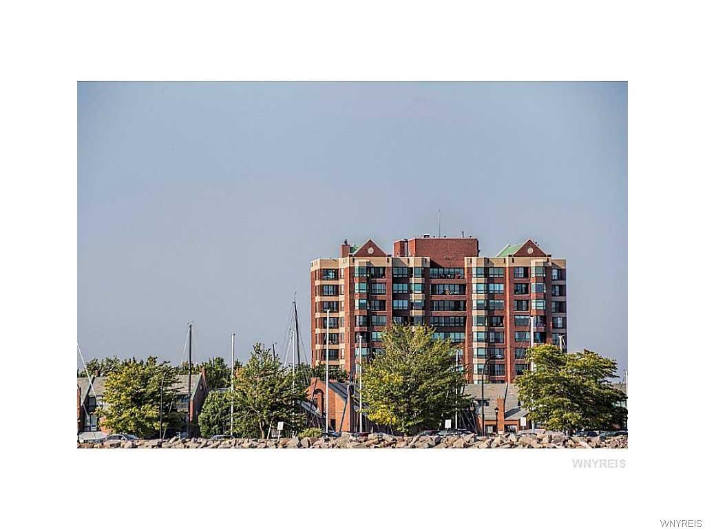 1102 Admirals Walk, Buffalo, NY 14202