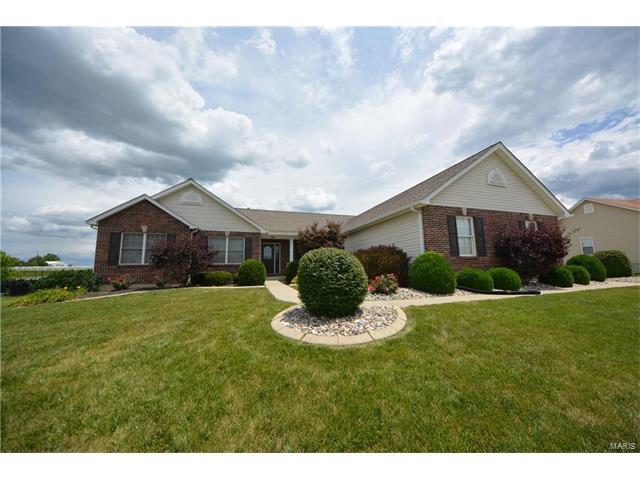 1060 Highland Estates Drive, Wentzville, MO 63385