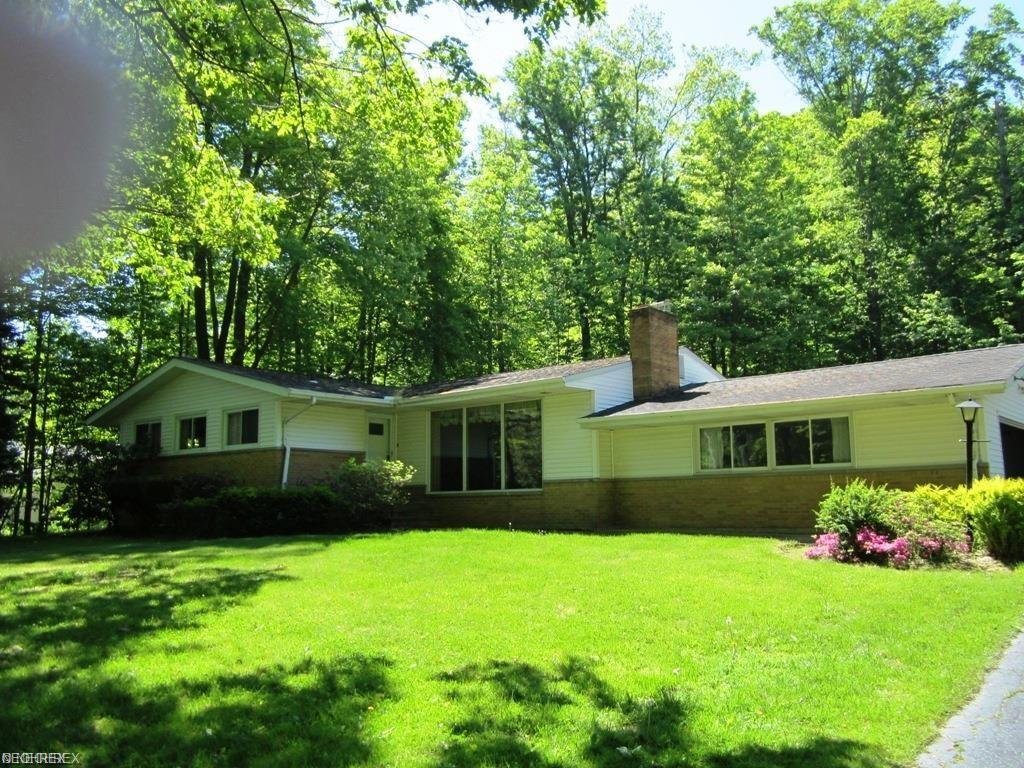 7039 Brooklane Rd, Chesterland, OH 44026