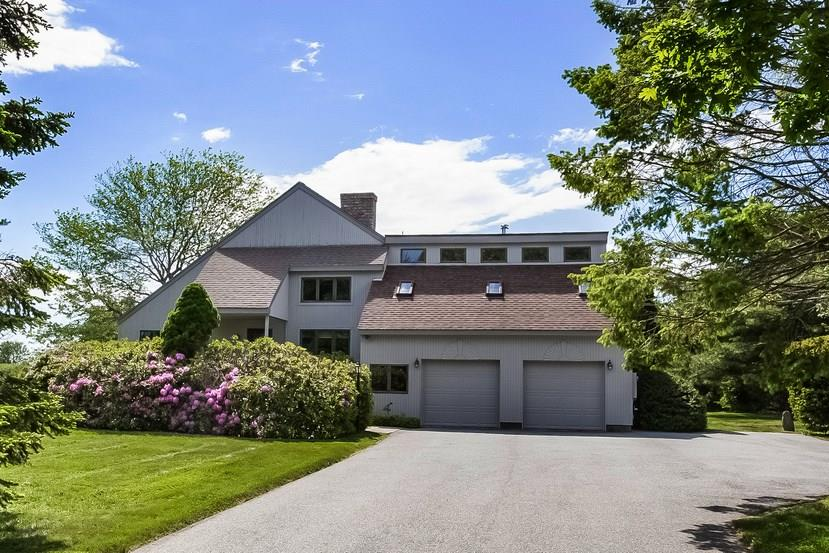 581 Middle RD, Portsmouth, RI 02871
