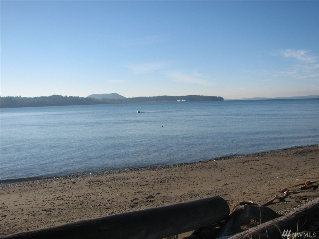 4676 South Shore Dr, Anacortes, WA 98221