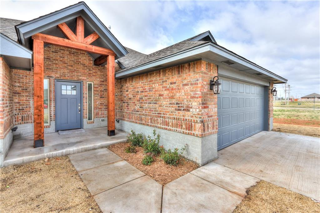 1250 W Shannon Way Court, Mustang, OK 73064
