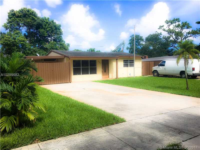 2761 NW 66th Ave, Hollywood, FL 33024