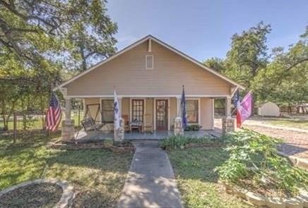 608 NE Barnard, Glen Rose, TX 76043