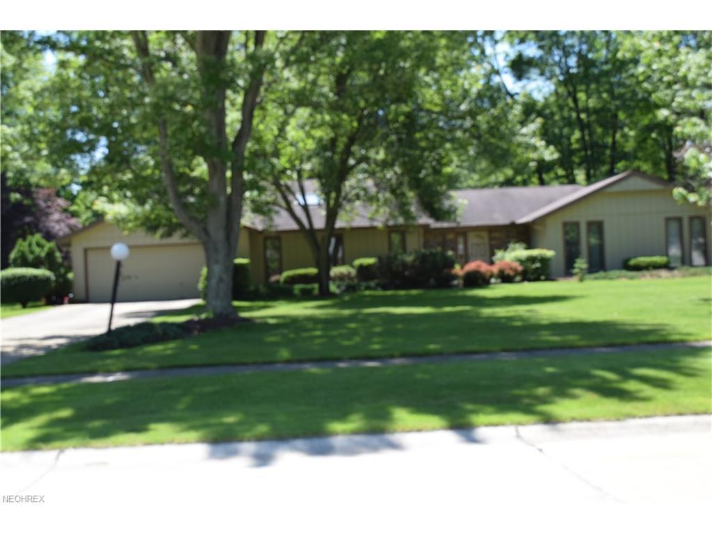 5700 Bayberry Cir, North Ridgeville, OH 44039