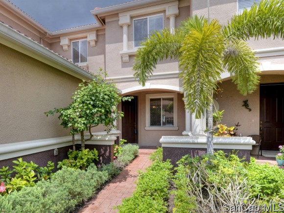 9825 Roundstone Cir, Fort Myers, FL 33967