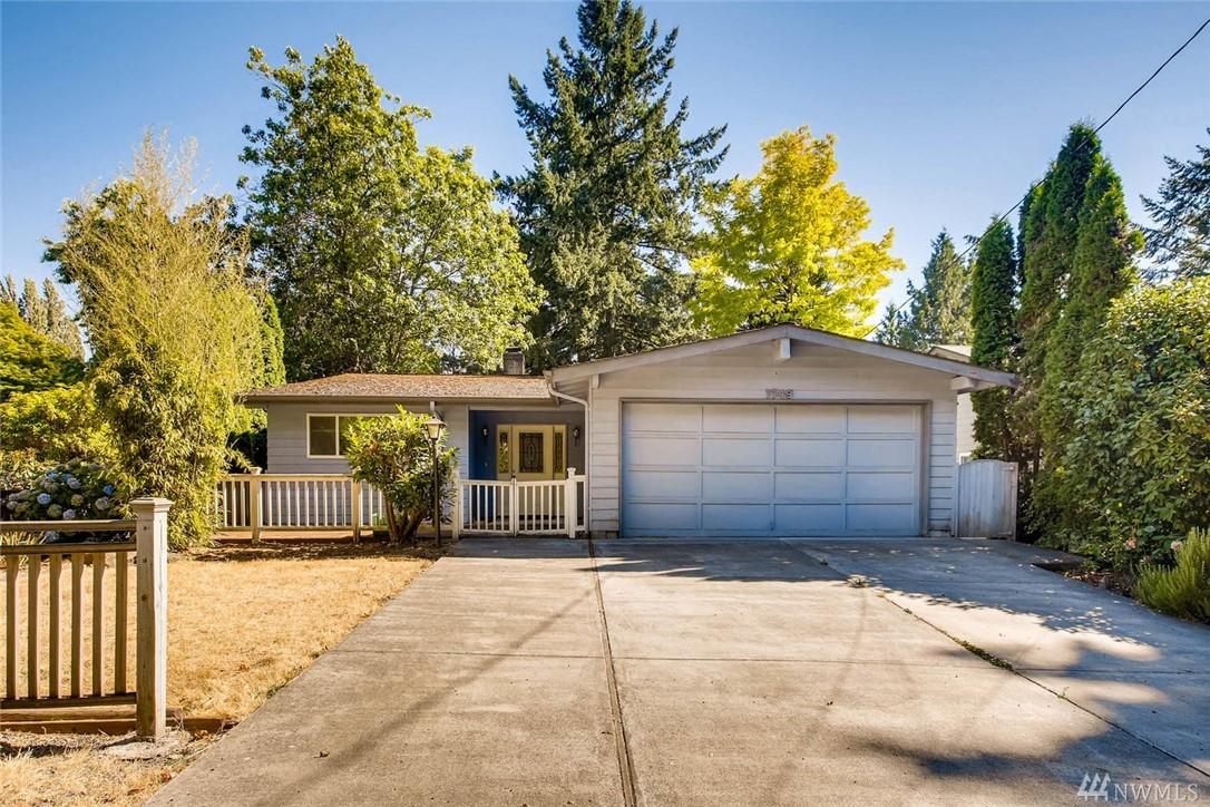 1749 NE 103rd St, Seattle, WA 98125
