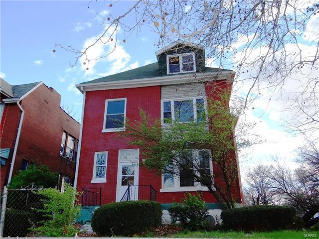 5962 Maple Avenue, St Louis, MO 63112