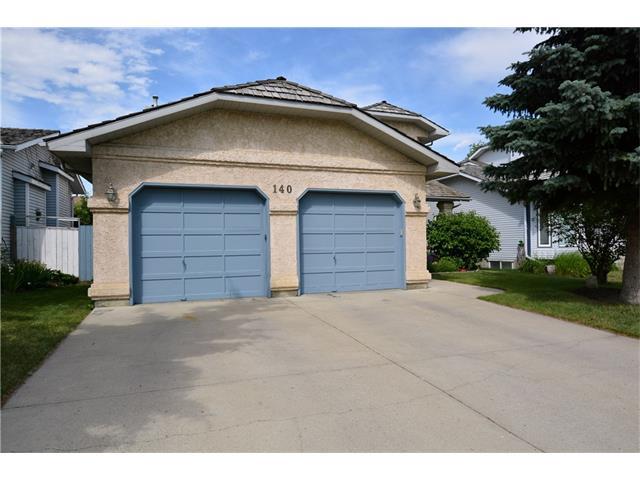 140 HARVEST HILLS Drive NE, Calgary, AB T3K 3Y1
