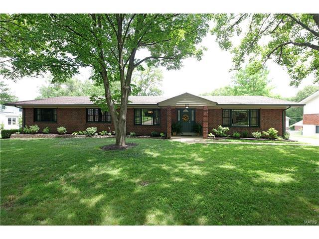 838 Lindeman Road, Kirkwood, MO 63122