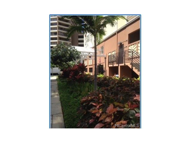 1810 Kaioo Street Pkg. B39, Honolulu, HI 96815