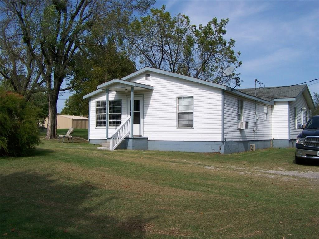 410 E A, Elmore City, OK 73433