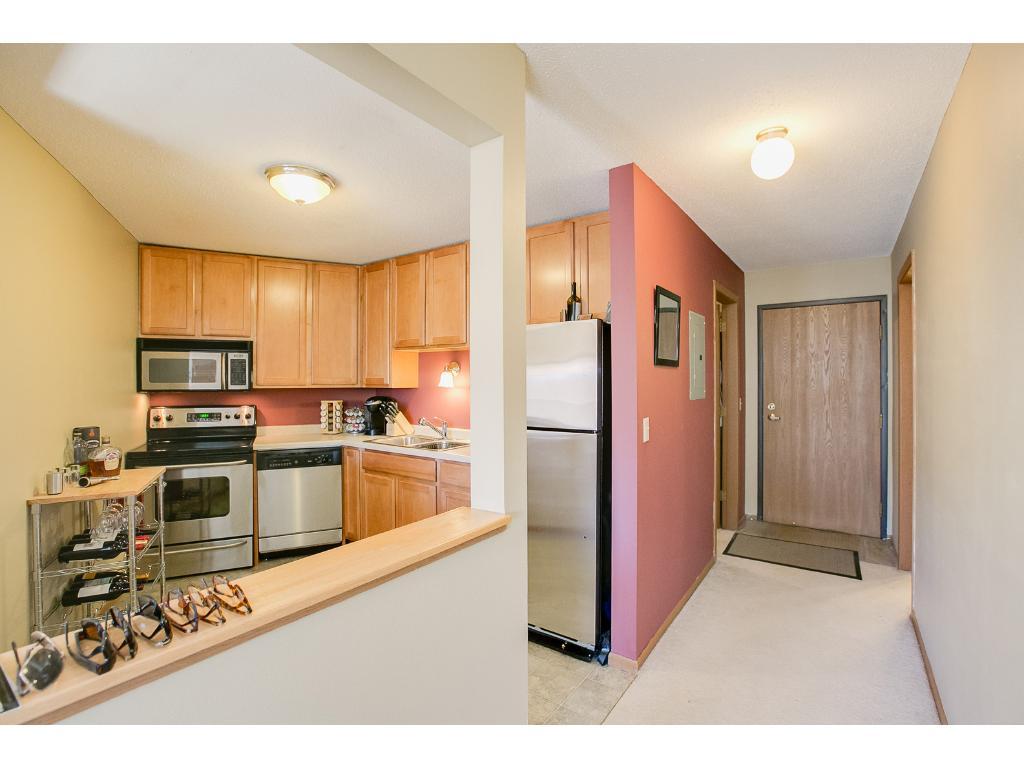 720 3rd Avenue NE 212, Minneapolis, MN 55413