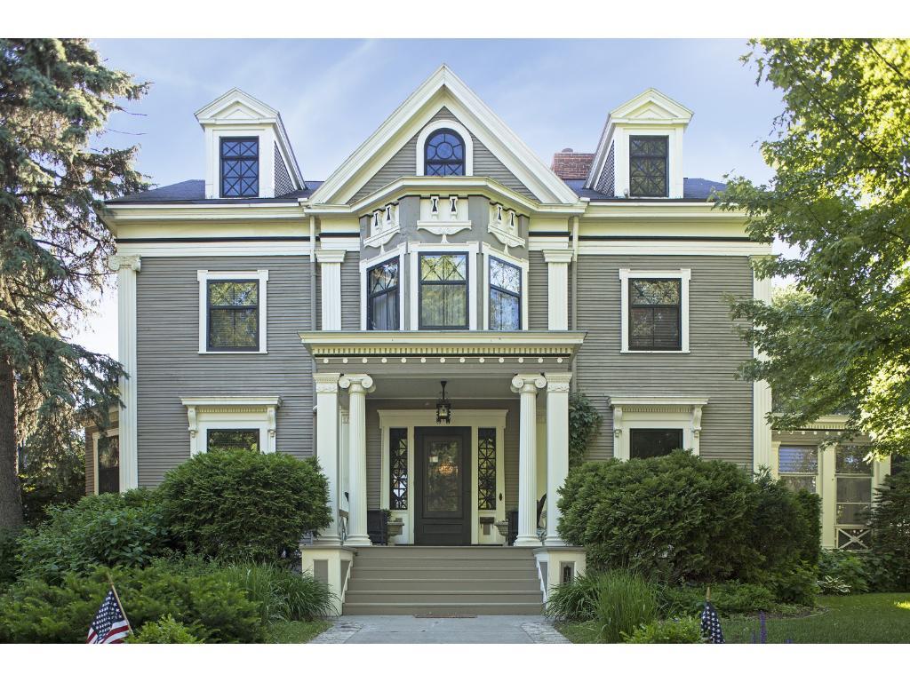 1930 Irving Avenue S, Minneapolis, MN 55403