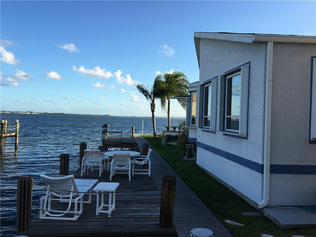 1132 Nettles Blvd, Jensen Beach, FL 34957