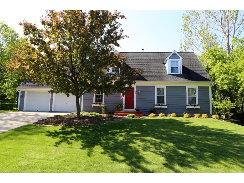 981 Lake Lucy Road, Chanhassen, MN 55317