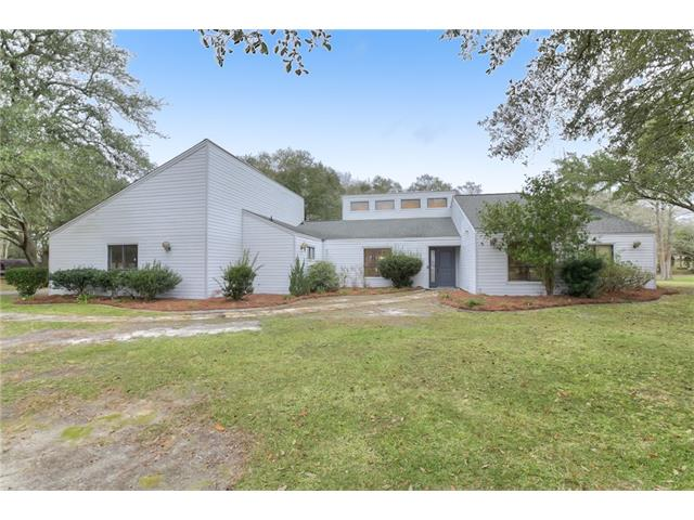 302 ROYAL Drive, SLIDELL, LA 70460