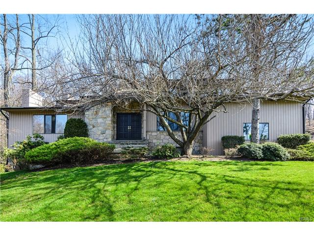 23 Pheasant Run Road, Pleasantville, NY 10570