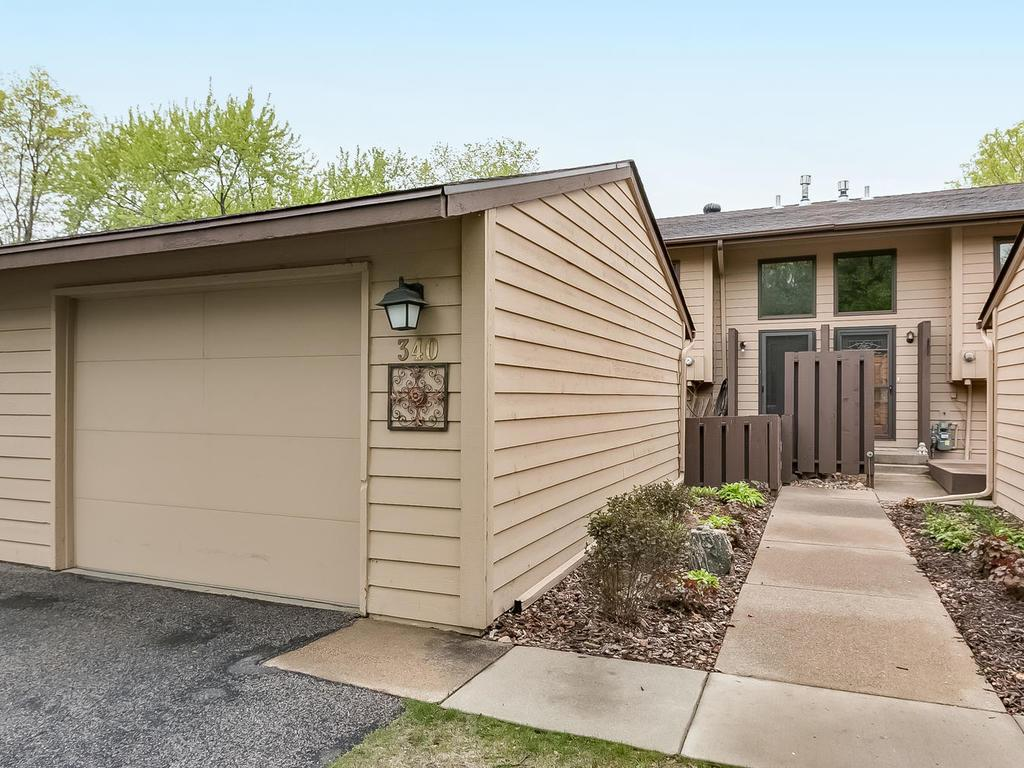 340 W Eagle Lake Drive, Maple Grove, MN 55369