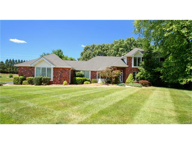 2121 Kehrspoint Drive, Chesterfield, MO 63005