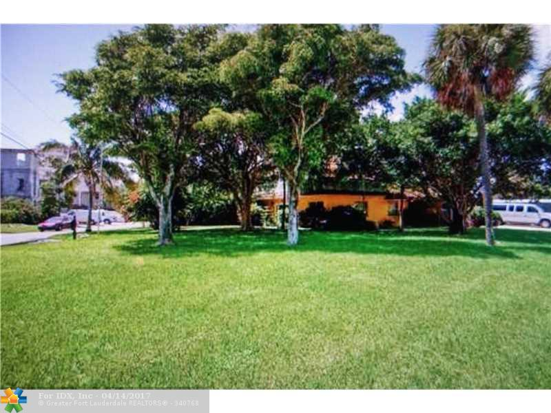 1903 Bay Dr, Pompano Beach, FL 33062