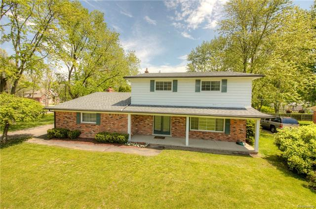 52820 SOUTHDOWN RD, Shelby Twp, MI 48316