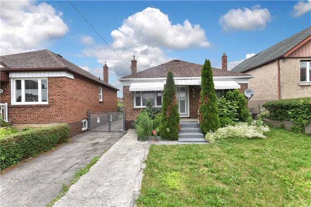 96 Lonborough Ave, Toronto, ON M6M 1X8