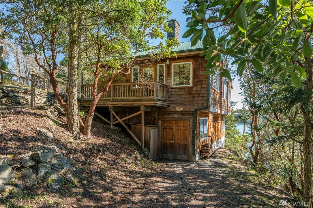 333 McCauley Lane, Lopez Island, WA 98261