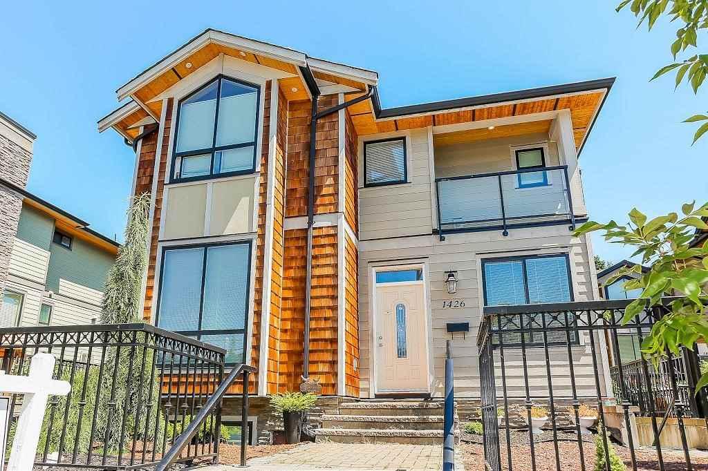 1426 BEWICKE AVENUE, North Vancouver, BC v7m 3b8