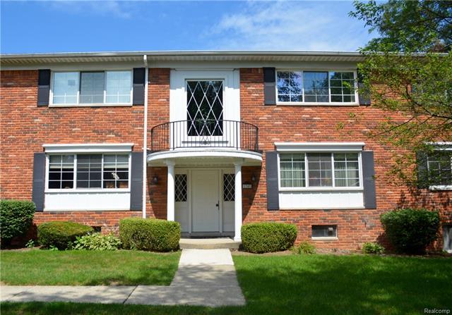 1741 HUNTINGWOOD Lane, Bloomfield Hills, MI 48304