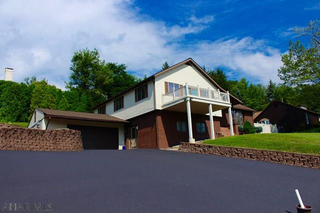 402 Ridge Ave, Altoona, PA 16602