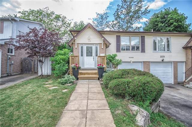 2233 Blue Beech Cres, Mississauga, ON L5L 1C2