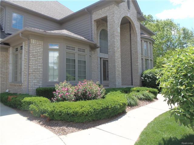 6422 ENCLAVE Drive 3, Independence Twp, MI 48348