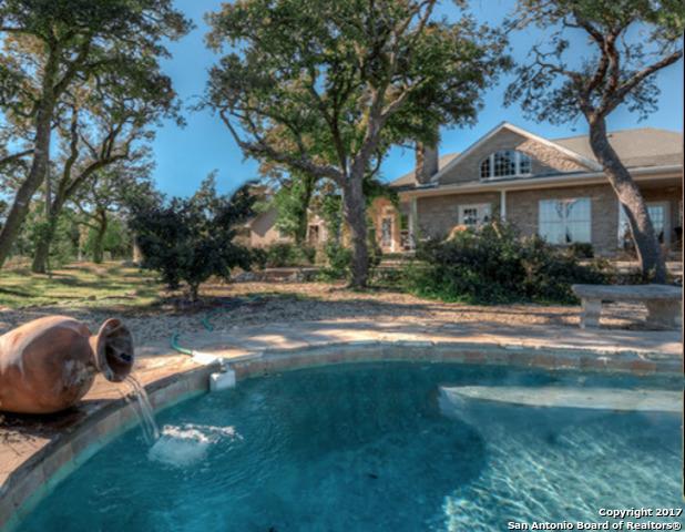 1242 S Bear Creek Rd, Kerrville, TX 78028