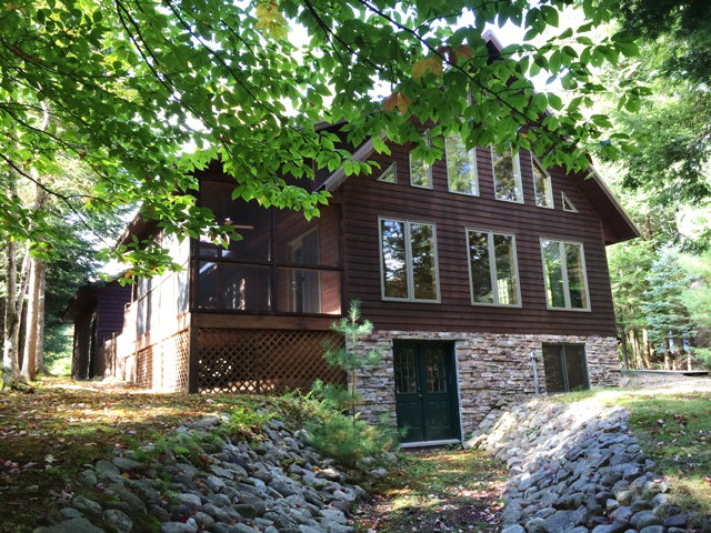 115 Riverside Drive E, Old Forge, NY 13420