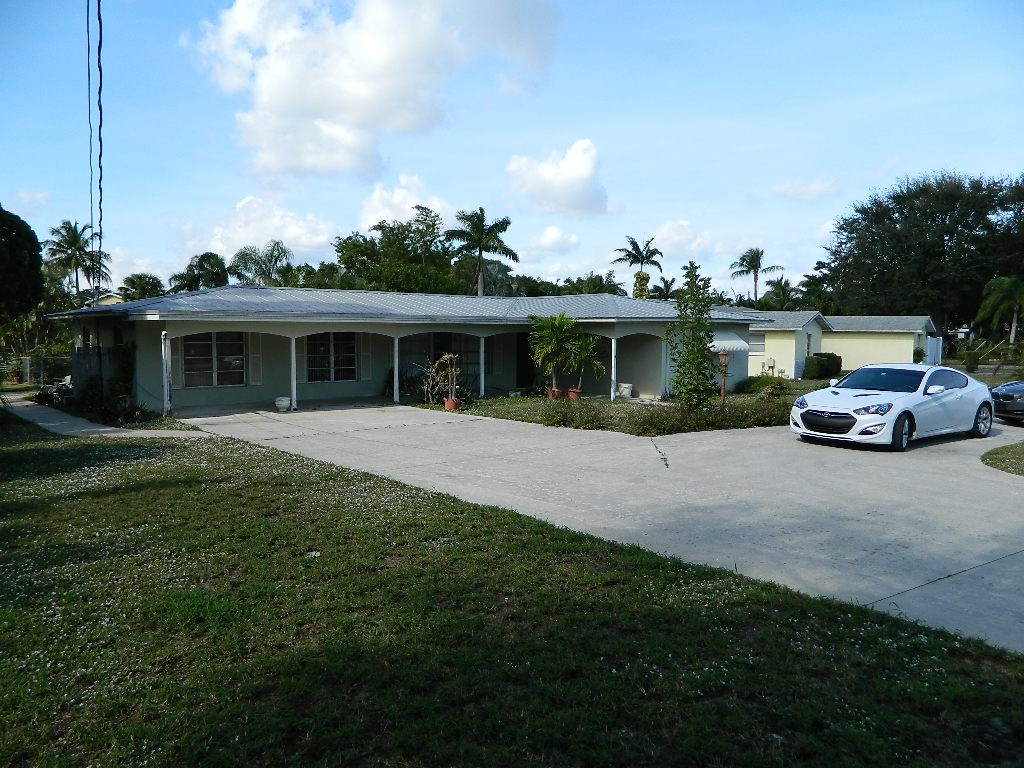 804 SE Parkway Drive, Stuart, FL 34996