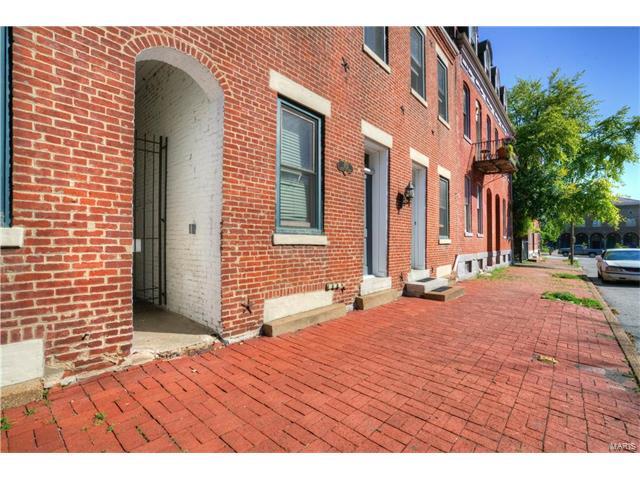1713 S 8th Street, St Louis, MO 63104
