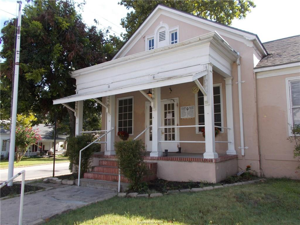 406 COTTONWOOD Street, Brenham, TX 77833