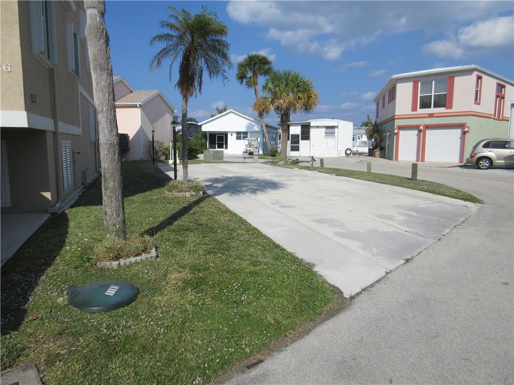 1185 Nettles Blvd, Jensen Beach, FL 34957