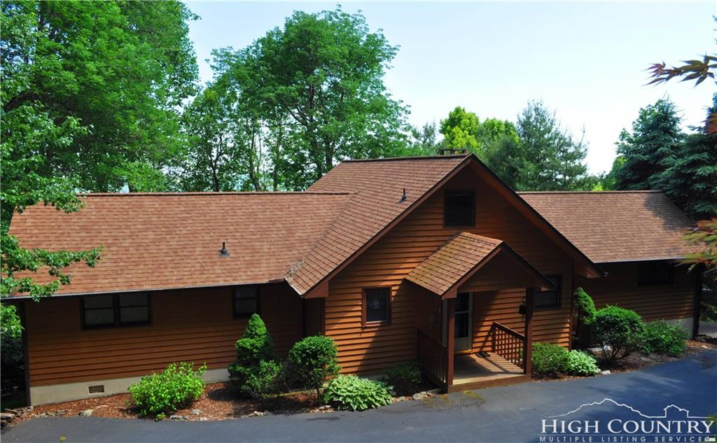305 Forest Park Drive, Blowing Rock, NC 28605