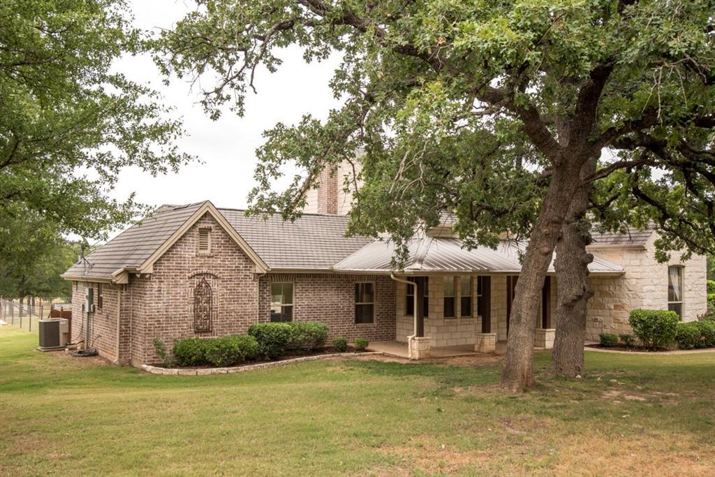 204 Lantana Drive, Granbury, TX 76049