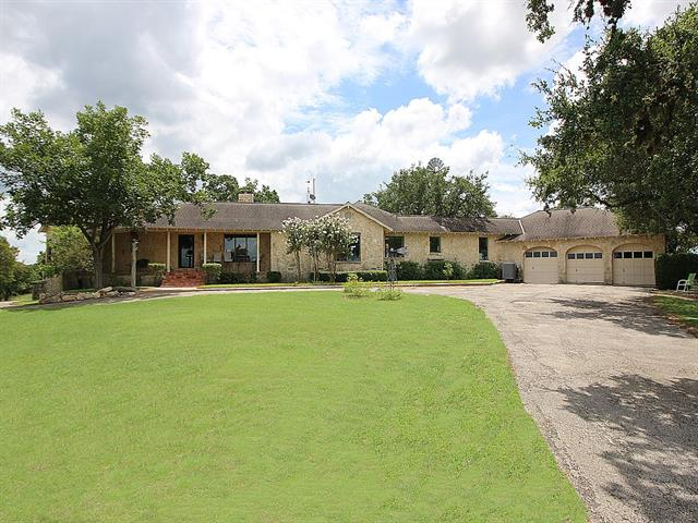 898 Logans Way, Blanco, TX 78606
