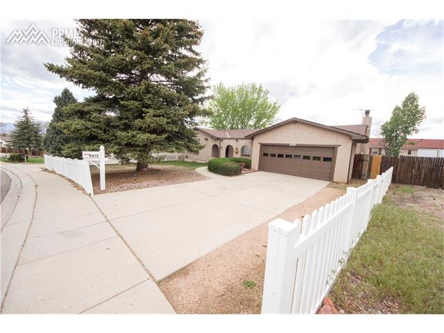 2912 N Roche Drive, Colorado Springs, CO 80918
