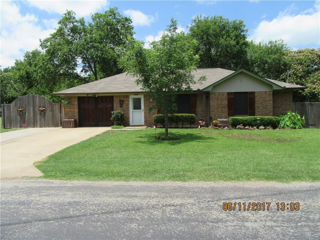 208 N Hill Street, Pilot Point, TX 76258
